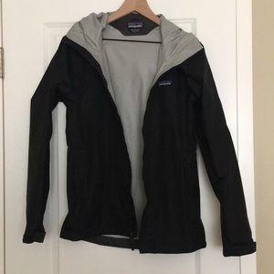 Patagonia rain jacket - women's medium